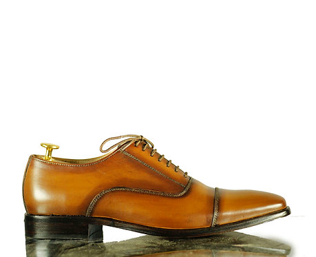 Men Tan Oxford Leather Brogue Shoes, Cap toe dress Designer Shoes