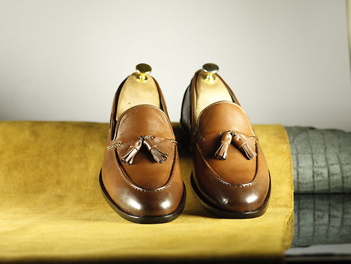 Brown Tasseled Round Toe Leather Moccasin Loafers