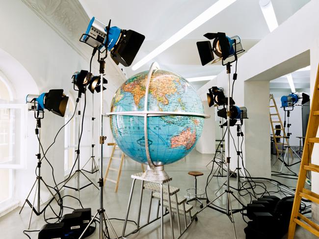 Globus V