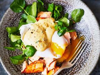Egg Benedict w Smoked Salmon & Citrus Hollandaise