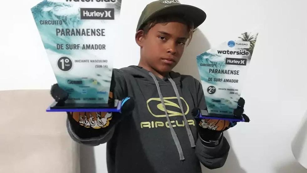 Jovem surfista de Cabo Frio vence competições no sul do país e conquista vaga no Hang Loose