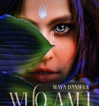 Who am I: Prequel to the Semiramis series by Maya Daniels