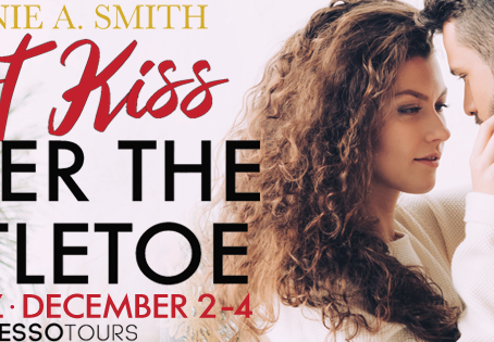TOUR & #GIVEAWAY - Last Kiss Under the Mistletoe by Melanie A. Smith