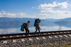 Туристы на Кругобайкальской железной дор
