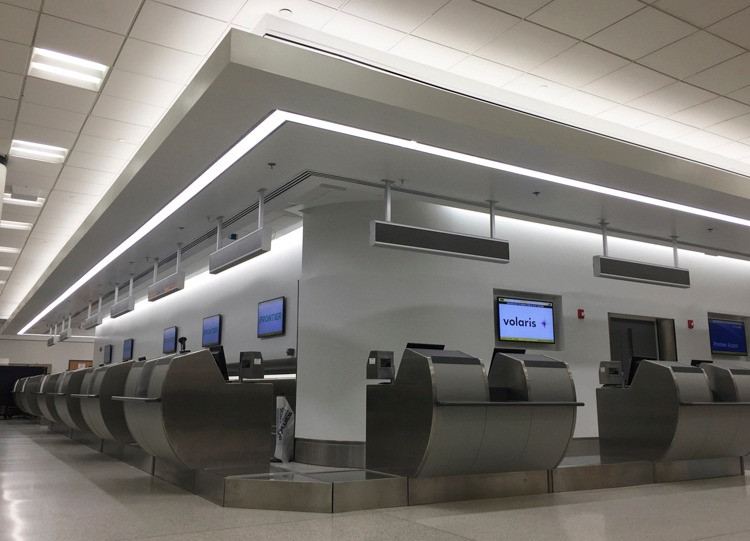 MIAMI INTERNATIONAL AIRPORT  TERMINAL F-G TICKET COUNTERS