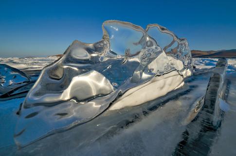 Льдинка на Байкале
