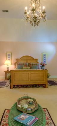 22-5860-2_Bedroom2_5TMDE_Default_RVT2-NR