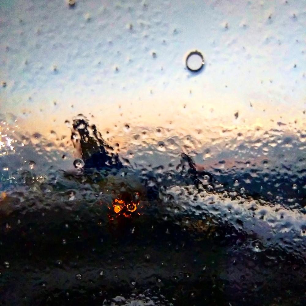 В аэропорту Алматы самолет долго обливали антизамораживающей (?) смесью