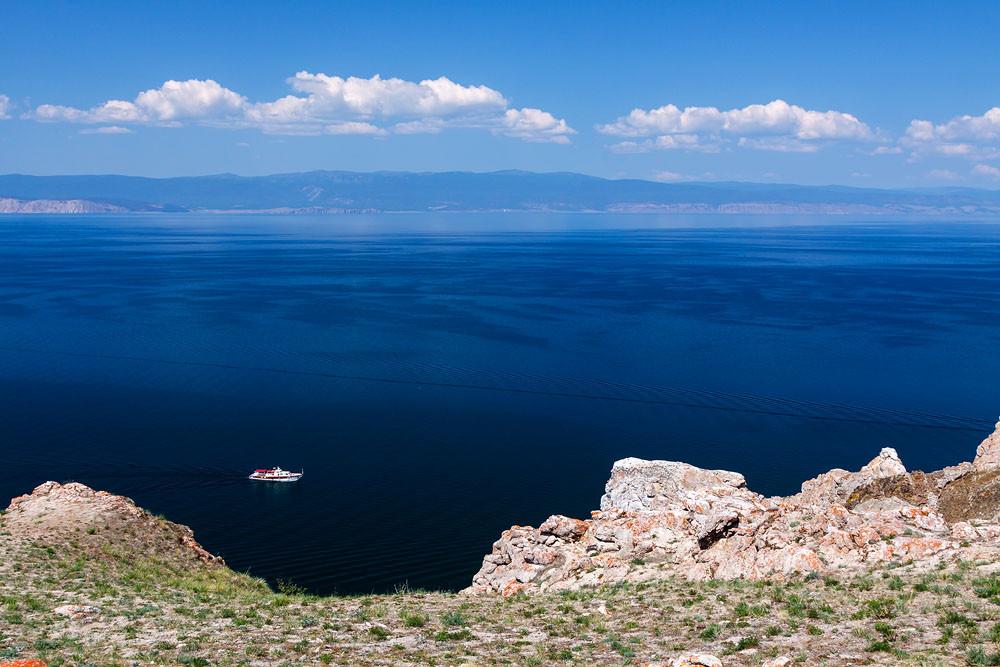 Вид с острова Ольхон на Байкале. Красиво, но холодно!