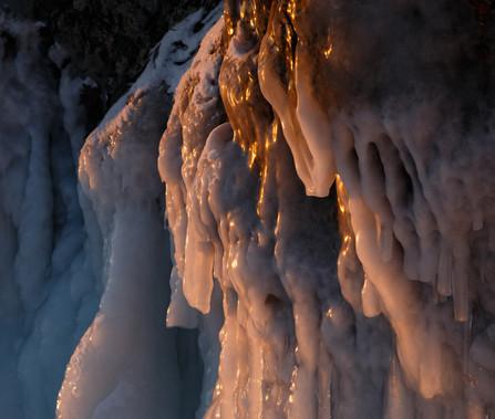 Ледяные наплески на мысе Шаманский, Байкал