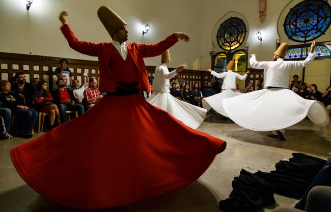 Танец дервишей на вокзале Сиркеджи, Стамбул