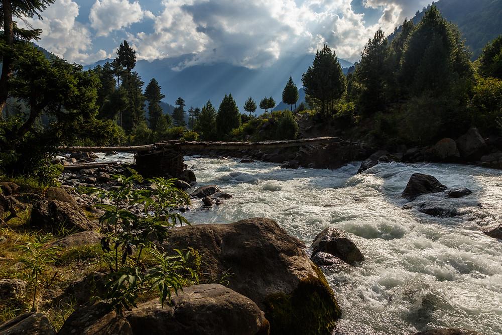 Речка в Пэхалгаме, Кашмир, Индия