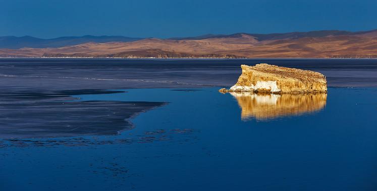 Остров Беленький на Малом Море. Май