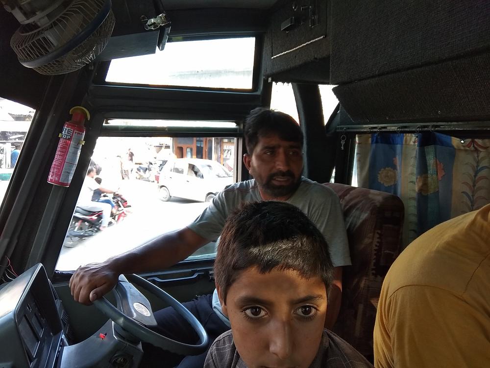 Местный автобус, Шринагар, Кашмир, Индия