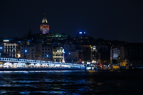 Башня Галата ночью
