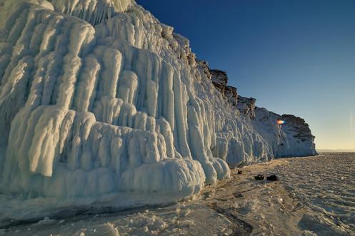 Ледяные наплески на острове Ольтрек, Байкал