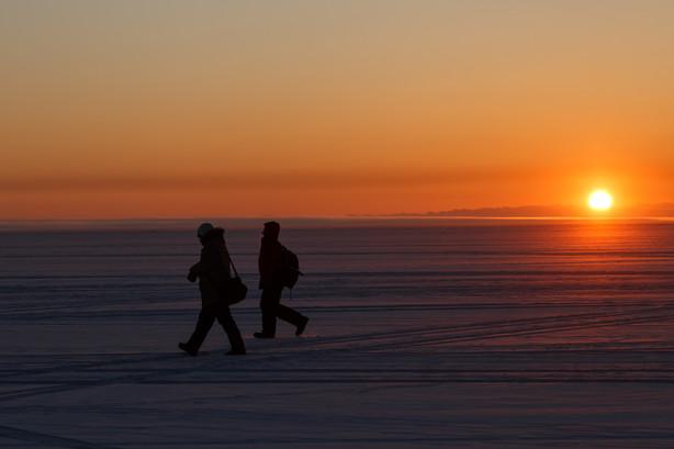 Рассвет на Байкале в феврале
