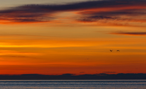 Рассвет на Байкале в сентябре