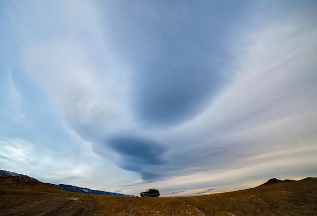 Машина фототурщиков и облако