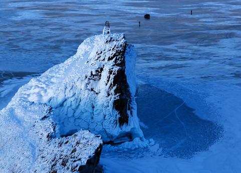 Вид на мыс Кобылья Голова с его же вершины. Ольхон, Байкал