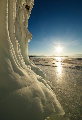 Наплески на скалах острова Ольхон, Байкал