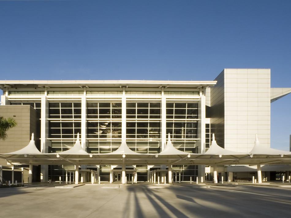 MIAMI INTERNATIONAL AIRPORT  CRUISE SHIP BUS STATION