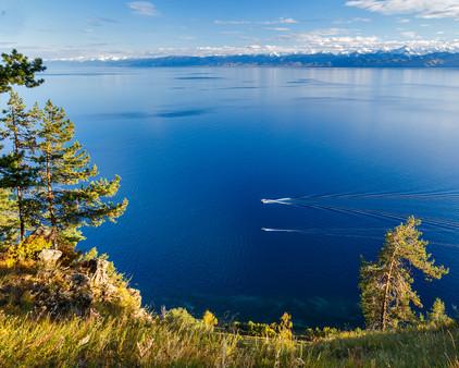 Вид на Байкал с обзорной площадки