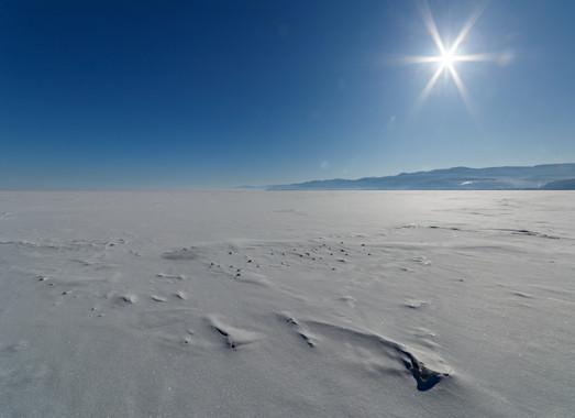 Байкал, возле посёлка Култук, февраль