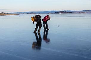 Фотографы на льду Байкала. Фототур в Уюг