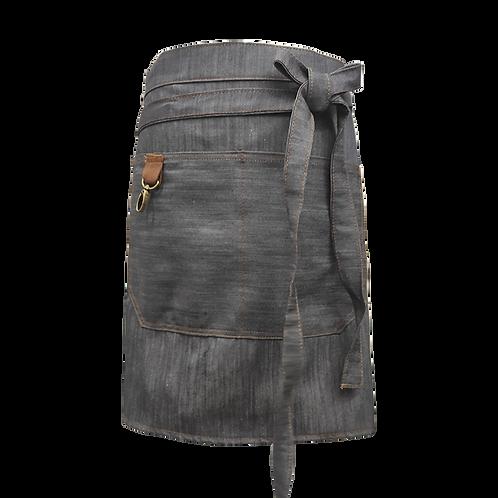 Delantal de jean corto con detalles en cuero