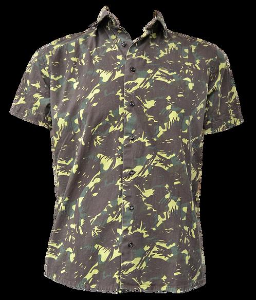 Camisa estampada modelo CAMUFLADO