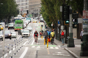 Protect Yourself! Separated Bike Lanes Means Safer Streets, Study Says - Streets Blog USA