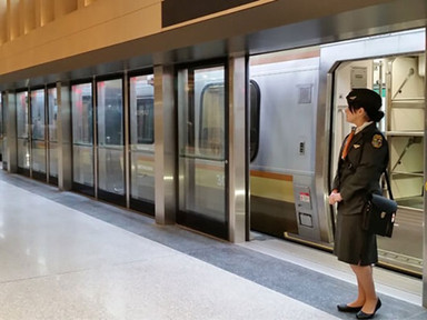 How Toronto Turned an Airport Rail Failure Into a Commuter Asset - CityLab
