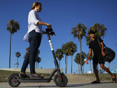 NYC draws closer to legalizing e-scooters, e-bikes thanks to state bill - Curbed
