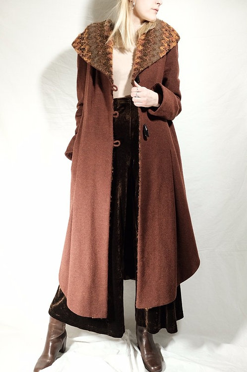 Vintage Mantel - S