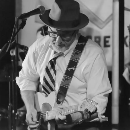 Mike Chutz - Guitar/Vocals