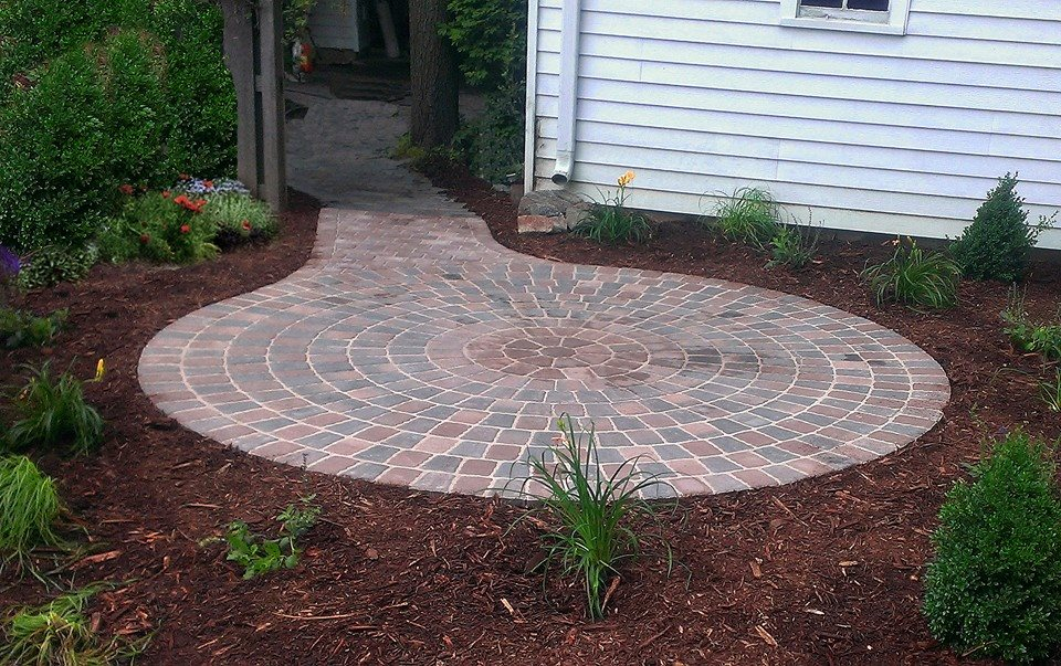 Borgert Cobble Series Circle Patio