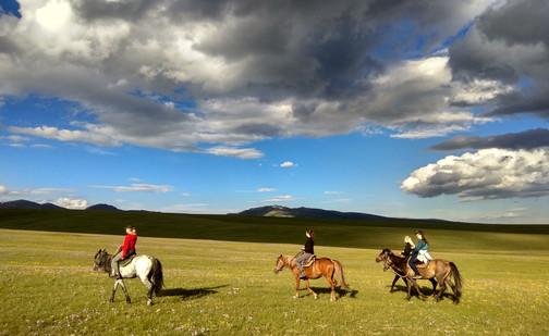 Horseback riding-Son Kol Lake