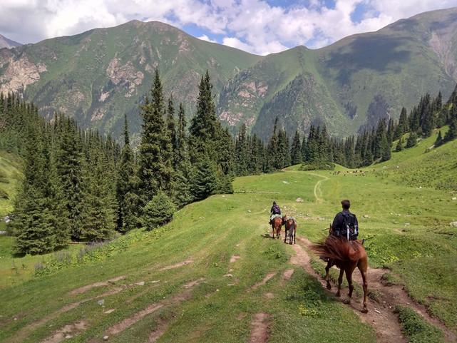 horseback trip Kyrgyzstan