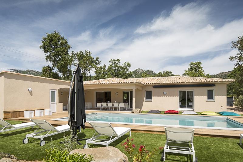 Maison_Poggio_Rosso_-_Corse_-_Moyenne_Definition_©_Frederic_BARON-11