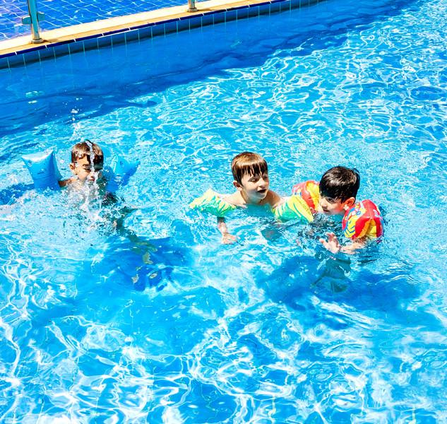 Hotel_Mil_Flores__Crianças_brincando_Pis