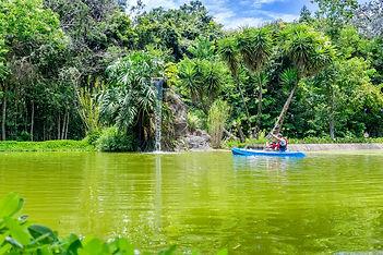 Lago Hotel Mil Flores.JPG