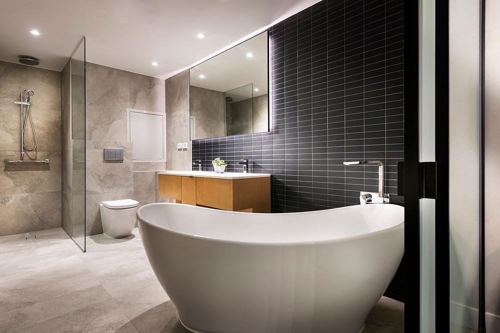 Tradewinds Hotel bathroom