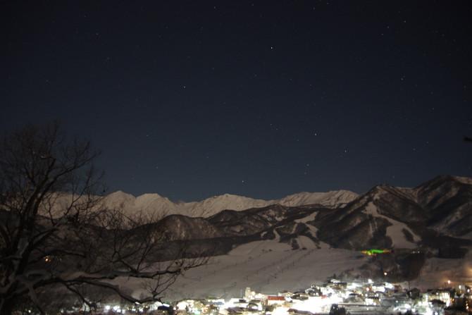 冬のナイトハイキングの楽しみ方★ ~夜の栂池高原を歩いてみた~