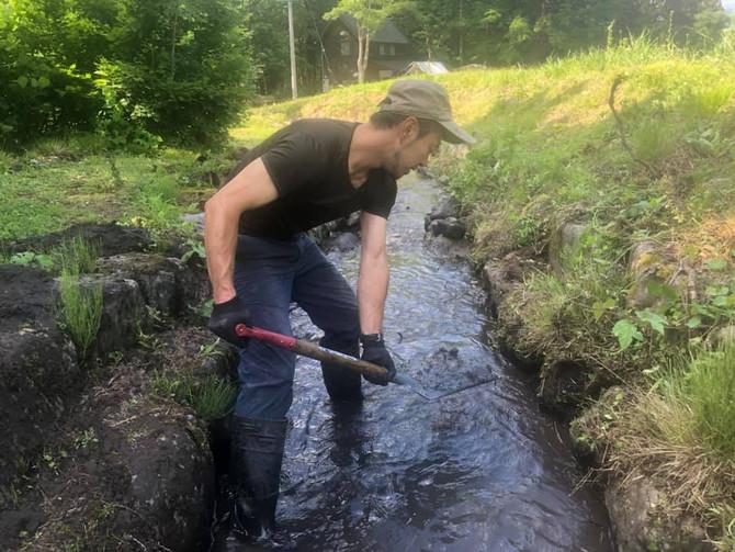 本気の川掃除