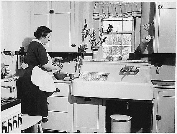 amcd. amcd.pro, амсд, дизайн кухни, история кухни, кухня прошлого века, дизайн кухни 1830, кухня 1930, кухня 1980, кухня 1990, революция в дизайне кухни, кухня прошлого века, как изменялась кухня, детали кухни, дизайн кухни, немецкие кухни, франкфуртская модель кухни, Лилиан Гилберт