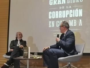 El Procurador General de la Nación, Fernando Carrillo Flórez y Luis Jorge Garay Salamanca en el lanz