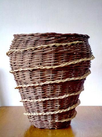 Dark Vase-Like Basket with a Spiral Decorative Finish
