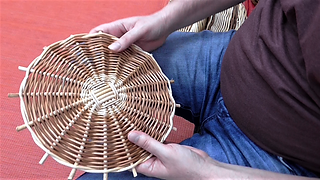 Weaving a round base from willow: Randing - Full Video Tutorial
