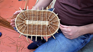 Weaving an oval willow base in French randing: Tutorial - lesson 2